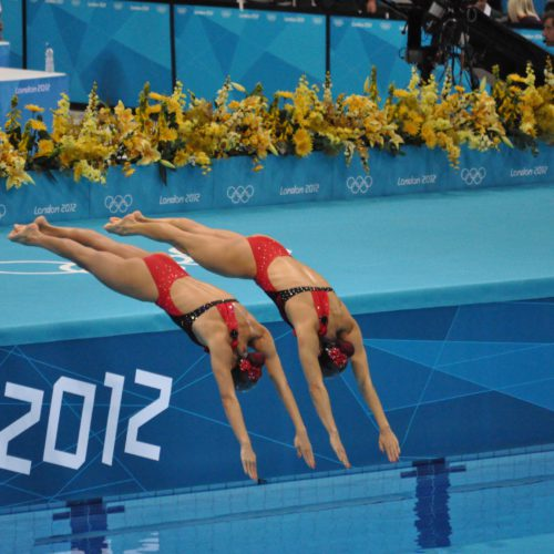 Nervios pre-competición en natación sincronizada. Pre-competition nerves in synchronized swimming.